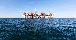 وزير الزراعة والثقافة يُعلن بدء التنقيب عن النفط: الموعِد خطأ!