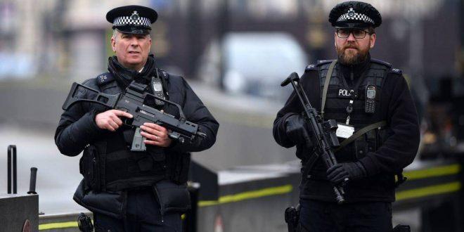 توجيه اتهامات لشاب بحادث طعن في مسجد في لندن