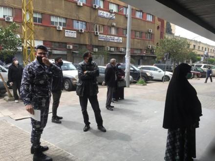 انتشار لقوى الأمن في طرابلس أمام ماكينات atm ودوريات راجلة