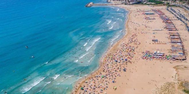 رواد شاطئ صور يتجاهلون التدابير والتحذيرات!