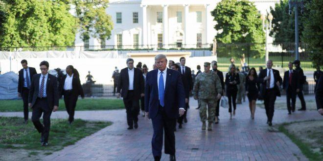 ترامب خارج أسوار البيت الأبيض رغم اندلاع الإحتجاجات