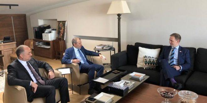 باسيل استقبل السفير البريطاني : ضرورة أن تلاحق بريطانيا قانونياً المتورطين بالفساد في لبنان