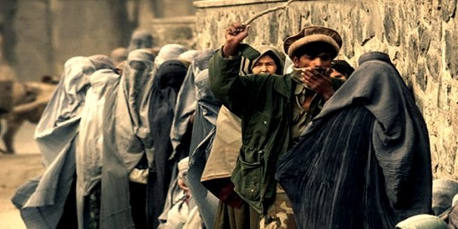 """""""طالبان"""" تأمر عدداً من النساء العاملات في كابل بالبقاء في منازلهن"""